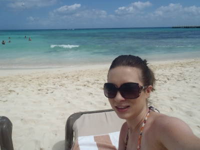 Found camera on the beach in playa del carmen_2